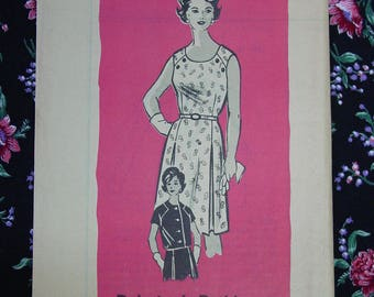 Vintage Pattern c.1960's Mail Order Printed No.9082 Dress and Jacket, Size 14 1/2