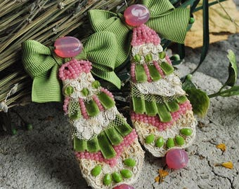 Bow statement bold, lightweight earrings, christmas vibe, embroidered elegant romantic, large, victorian, vintage, fabric textile earrings