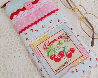 Retro Inspired Eyeglass Case/Gadget case