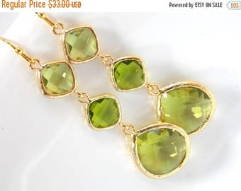 SALE Gold Green Earrings, Apple Green,  Glass Earrings, Gold, Long, Wedding Jewelry, Bridesmaid Earrings, Bridesmaid Jewelry, Bridesmaid Gif