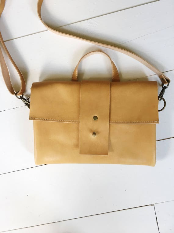 Tan leather crossbody bag, tan leather purse, crossbody purse, leather shoulder bag, everyday bag, leather bag