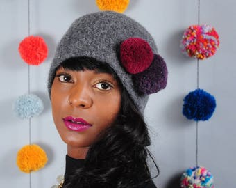 Pom Pom Winter Hat // Merino Wool // Felted Wool Cloche // Several colors // Gifts for Her // Beanie // Tuque // Pompom Hat