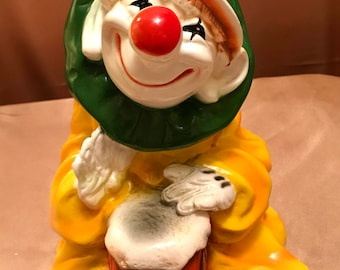 Vintage 1979 Plaster Chalkware Clown Playing Drum. Universal Statuary.