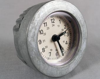 Vintage Richard Entwistle for Baskerville, airplane chonometer desk clock