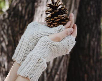 Cream Knit Fingerless Gloves Womens Fall Fashion Accessory / Wrist Warmers Mitts Open Gloves Commuter Gloves / Warm Winter Accessory