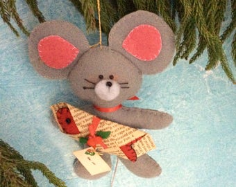 Christmas Mouse - Felt ornament - Mouse Collector gift - handmade - collectible - 70s  - Made on Maui - Kid's Room Decor