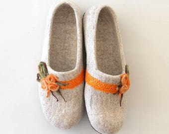 SALE Felted women slippers in size US 9.5, EUR 41 - felted wool slippers for her - Ready to ship