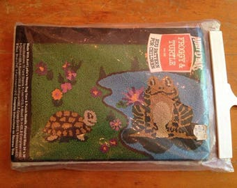 vintage froggy and turtle punch needle rug pattern by aunt lydia's unused/nos
