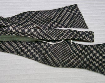 Italian Nylon Houndstooth Print Bow Tie