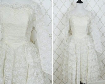 SUMMER SALE Vintage 1950's Lace and Tulle Princess Wedding Gown - White Tea Length Wedding dress - Classic Grace Kelly Style Gown - ladies s
