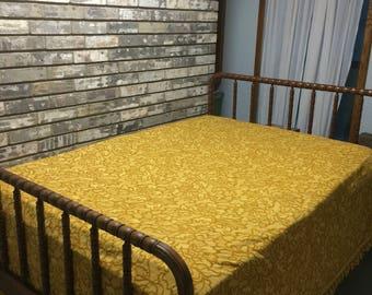 Bates Bedspread / Vintage Gold Bedspread / Vintage Bedspread / Gold Bedspread / Vintage Queen Size Bedspread / Vintage Bates Bedspread