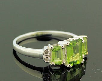 Green Peridot Topaz Ring // 925 Sterling Silver // Ring Size 8 // Handmade Jewelry