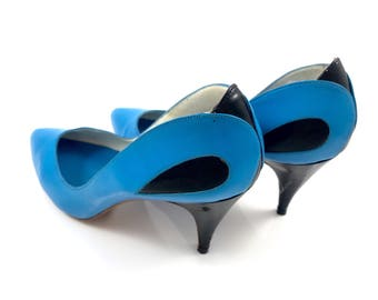 Vintage 1970's PROXY blue with black patent leather stilettos