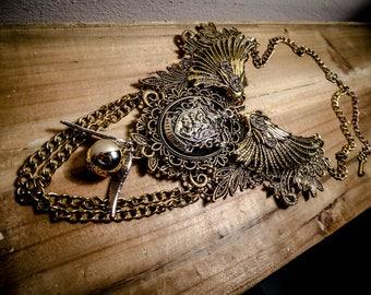 Harry Potter ♰Gryffondor♰ ormolu lace bib necklace