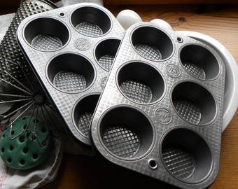 Antique Very Fine Like Minty OVENEX Embossed WAFFLE Printed 6 Deep Cup Muffin Pan, Pat Date Fully Marked No Rust or Old Blackened Grease