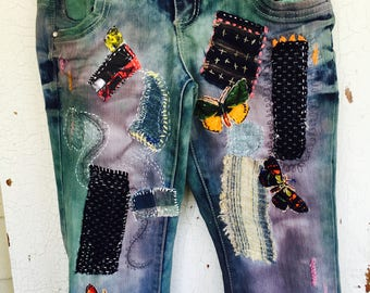 HAND-PAINTED BORO Jeans, Peddle Pusher, Clam Digger, Cropped Jean. Gypsy, Bohemian Style. Artisan Flair, Almost Famous Brand, Size 9