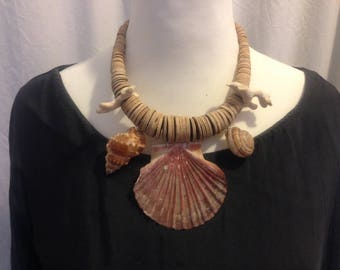 Beach Shell Cocos Necklace