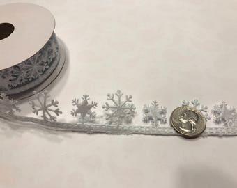 9 feet of adhesive backed white snowflake Holiday ribbon trim (LR4)