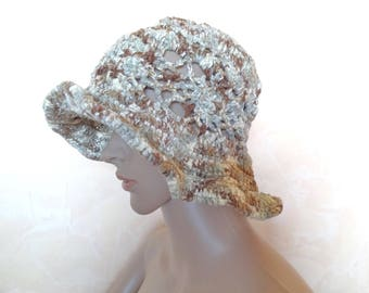 Hat crocheted with yarn to knit chenille, woman, woman fashion accessory.