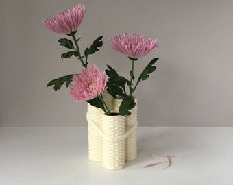 Ceramic Basketweave Vase, Vintage Ikebana Vase, Minimalist Three Tiered Vase, Japanese Flower Arranging, Cream Vase, Asian Wicker Design