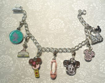 "1 Disney 7"" Silverplated Bracelet with 7 Disney Charms"