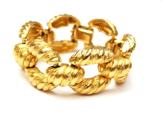Wide Gold Link Bracelet - Chunky Bold ribbed Links - !980s style - gold plated bangle
