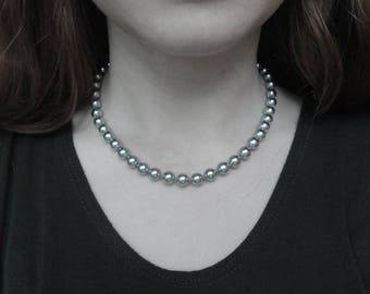 """Vintage Silver Tone Beaded Necklace 18"""" Long"""