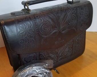 Beautiful Vintage Leather Bellerose Purse, Tooled Leather, Removable Shoulder Strap