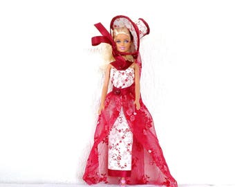 Barbie doll set in lace and Lycra, Bordeaux and white. Barbie long dress, elegant