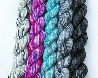 Handdyed Miniskeins, 75 Wool, 25 Nylon 100g 3.5 oz. #1