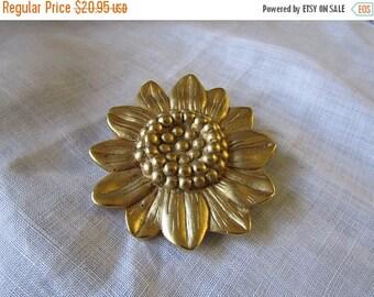 Summer Sale Sunflower Brooch, Gold Tone, Large, Satin Finish, Vintage Item,Gift for Gardener, Bridal Bouquet, Sweater, Lapel, Scarf