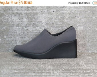 40OFF Vtg 90s Gray Iridescent Neoprene Stretchy Minimalist Wedge Shoes 6.5