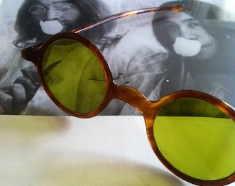 Vintage antique sunglasses Tortoise shell frame 20s 30s round green lenses clairvoyant visionary Summer reading eyewear classic Sun shades