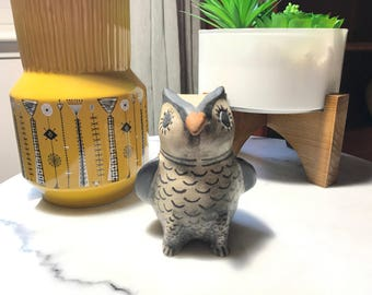 Lucy R. Suini Cochiti N.M. Native pottery owl