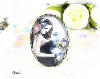 "Vintage ""woman with mask"" ring BA76"