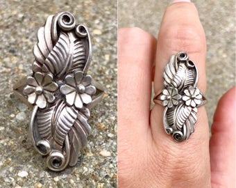 Native American sterling silver vintage southwestern floral flower leaf squash blossom boho elongated ring size 7