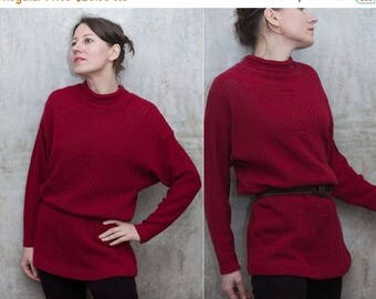 ON SALE 15% Vintage 90s woman burgundy  sweater /   wine red   fitted waist long casual sweater/ S