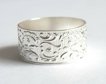 Silver Ring, flower and leaf pattern, women's wedding band, textured silver base, raised yellow gold edges, art nouveau design