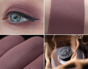 Eyeshadow: Patroness Of The Brave - Light Castle. Mauve matte eyeshadow by SIGIL inspired.