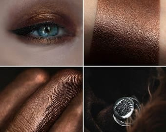 Eyeshadow: Mother of the Teddy-bear - Druidess.  Reddish-brown eyeshadow by SIGIL inspired.