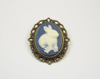 Brooch rabbit