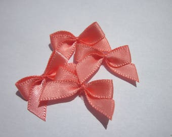 4 nodes in satin 20 to 21 mm approx - stitched fabric - (A284)