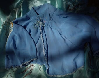 VINTAGE 1940s Embroidered Baby Blue Lace Tie Front Bed Jacket