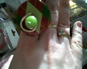 Adjustable ring Brown green color