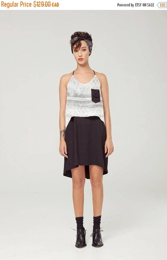 SOLDE FLORE - fluid dress with adjustables shoulders for women - white and black with triangles silkscreen