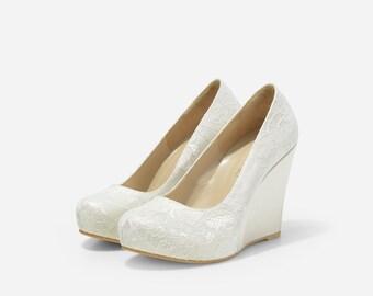 Closed Toe Ivory Lace Platform Wedges, Custom Made Ivory Satin Platform Wedges, Ivory Satin Lace Wedding Shoes, White Wedding, Off White