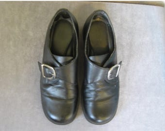 25% off SALE 90s Black Leather buckle shoes -9.5 womens
