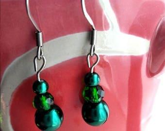 Green pearl and bead earrings