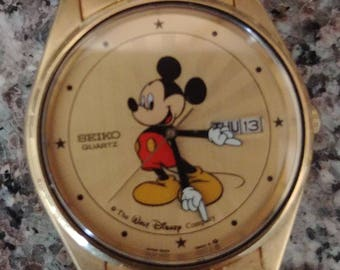 Vintage Seiko 5H23-8A09 Mans Starburst Day Date Mickey Mouse Character Watch Lot
