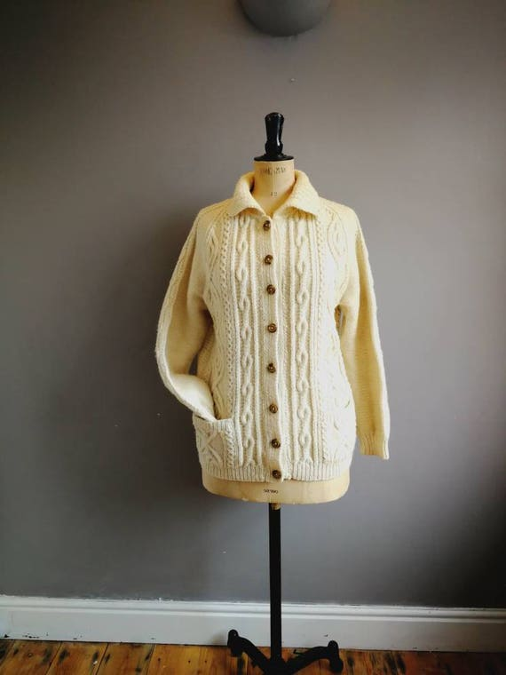 Vintage aran cardigan // hand knitted cream sweater // cable knit cardigan // boho chunky hand knitted cardigan // off white knitted sweater
